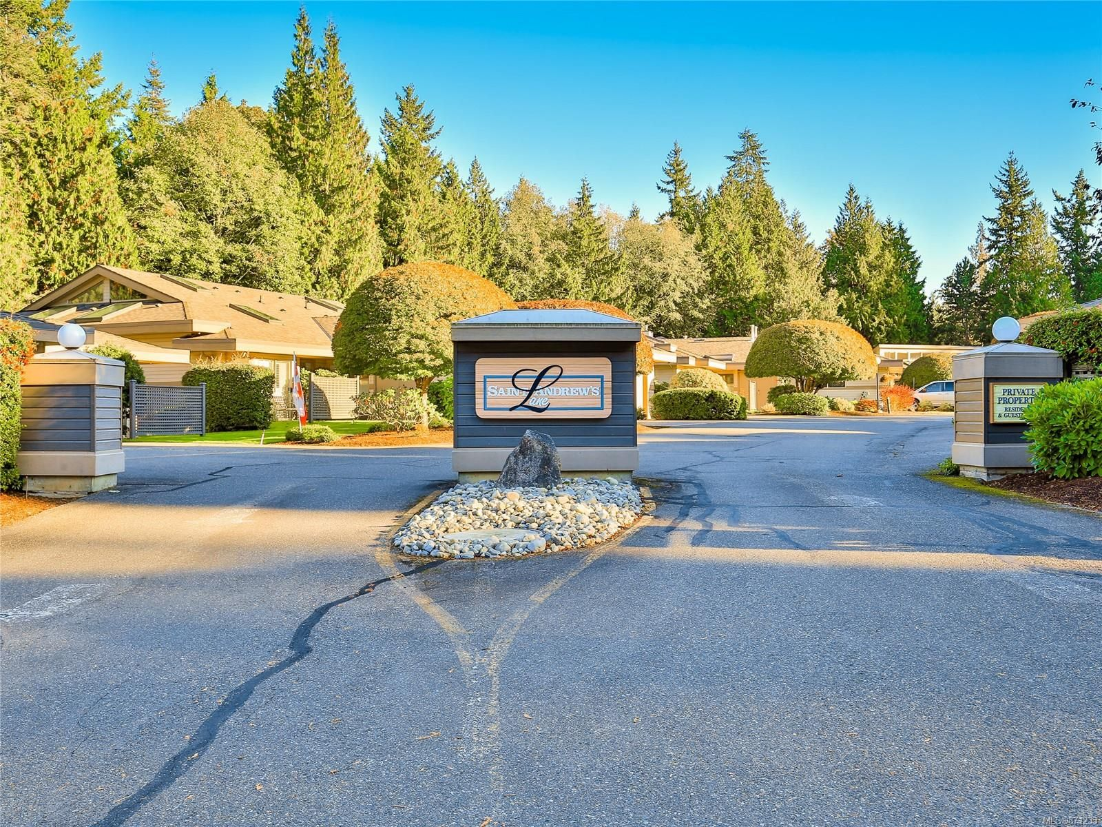 Main Photo: 924 St. Andrews Lane in : PQ French Creek Row/Townhouse for sale (Parksville/Qualicum)  : MLS®# 871233