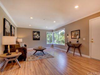 Photo 2: 54 Echo Run Unit 19 in Irvine: Residential for sale (WB - Woodbridge)  : MLS®# OC19000016