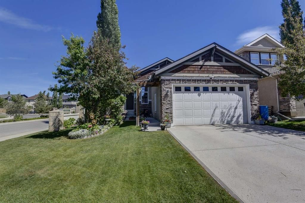 Main Photo: 4 Everwillow Park SW in Calgary: Evergreen Detached for sale : MLS®# A1121775