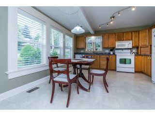 """Photo 8: 18076 58TH Avenue in Surrey: Cloverdale BC House for sale in """"CLOVERDALE"""" (Cloverdale)  : MLS®# F1440680"""