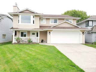 """Photo 1: 9226 210 Street in Langley: Walnut Grove House for sale in """"Country Grove Estates"""" : MLS®# R2385901"""