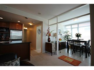 """Photo 4: 1002 1680 BAYSHORE Drive in Vancouver: Coal Harbour Condo for sale in """"BAYSHORE TOWER"""" (Vancouver West)  : MLS®# V1107422"""