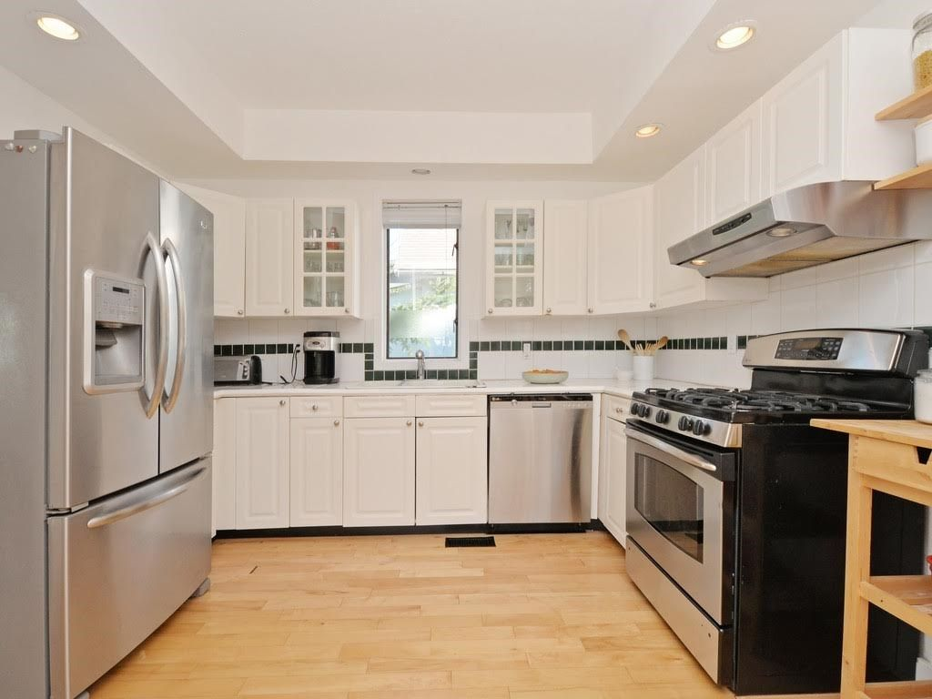 Photo 10: Photos: 728 E 7TH Street in North Vancouver: Queensbury House for sale : MLS®# R2114157