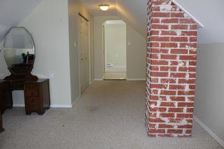 Photo 11: 625 10th Avenue: Montrose House for sale