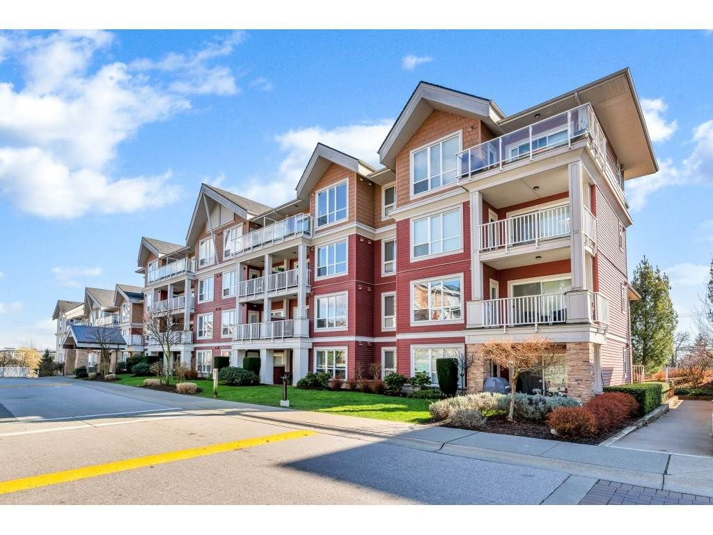 "Main Photo: 408 6440 194 Street in Surrey: Clayton Condo for sale in ""WATERSTONE"" (Cloverdale)  : MLS®# R2441400"