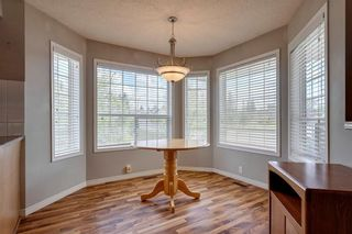 Photo 5: 33 SILVERGROVE Close NW in Calgary: Silver Springs Row/Townhouse for sale : MLS®# C4300784