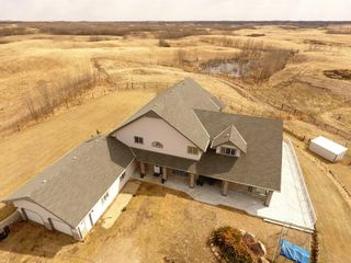 Photo 3: 19515 Township Road 354 in Rural Stettler No. 6, County of: Rural Stettler County Detached for sale : MLS®# A1102393