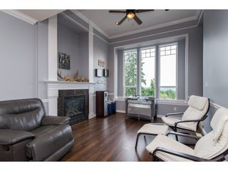 Photo 2: 8282 CADE BARR Street in Mission: Mission BC House for sale : MLS®# R2394502