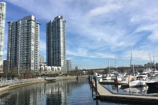 """Photo 33: 3F 1067 MARINASIDE Crescent in Vancouver: Yaletown Townhouse for sale in """"Quaywest"""" (Vancouver West)  : MLS®# R2551534"""