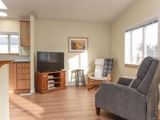 Photo 4: 102 2200 Lambert Dr in COURTENAY: CV Courtenay City House for sale (Comox Valley)  : MLS®# 830910