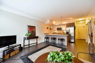 Photo 5: 204 2214 Kelly Avenue in Port Coquitlam: Central Pt Coquitlam Condo for sale : MLS®# R2121281