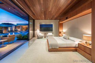 Photo 17: LA JOLLA House for sale : 6 bedrooms : 6251 La Jolla Scenic Dr So.