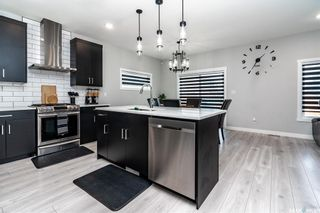 Photo 5: 213 Dubois Crescent in Saskatoon: Brighton Residential for sale : MLS®# SK864404