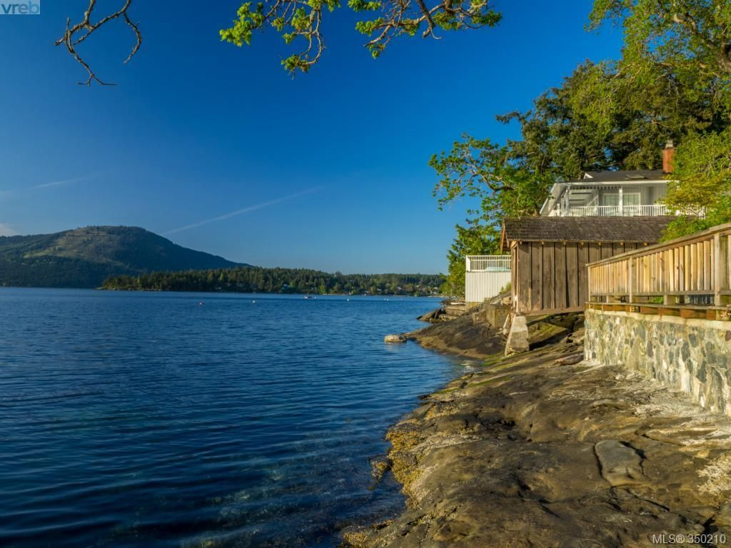 Main Photo: 10890 Madrona Dr in North Saanich: NS Deep Cove House for sale : MLS®# 350210