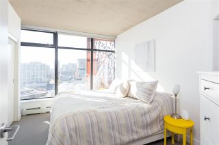 """Photo 10: 2106 128 W CORDOVA Street in Vancouver: Downtown VW Condo for sale in """"WOODWARDS W43"""" (Vancouver West)  : MLS®# R2222089"""