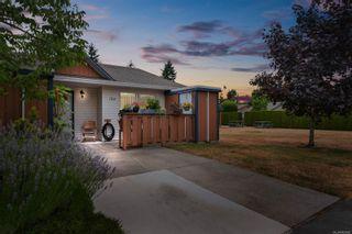 Photo 1: 134 2191 Murrelet Dr in Comox: CV Comox (Town of) Row/Townhouse for sale (Comox Valley)  : MLS®# 883882
