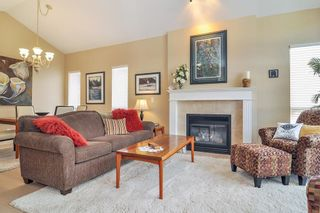 """Photo 2: 88 9025 216 Street in Langley: Walnut Grove Townhouse for sale in """"Coventry Woods"""" : MLS®# R2356730"""