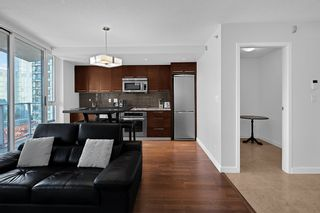 Photo 6: 1801 918 COOPERAGE WAY in Vancouver: Yaletown Condo for sale (Vancouver West)  : MLS®# R2502607