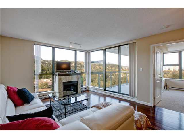 """""""Corner Unit-Gorgeous Mountain treelined private views. Very open & bright unit with floor to ceiling windows leading to the covered large patio"""