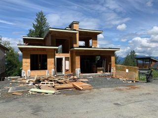"""Photo 2: 8 5988 LINDEMAN Street in Chilliwack: Promontory House for sale in """"Forest Homes"""" (Sardis) : MLS®# R2594129"""