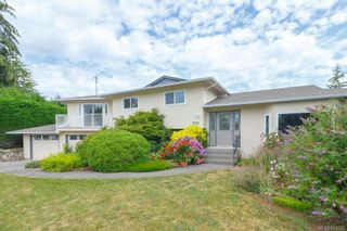 Photo 2: 7219 Tantalon Pl in Central Saanich: CS Brentwood Bay House for sale : MLS®# 845092