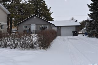 Photo 1: 221 6th Street North in Nipawin: Residential for sale : MLS®# SK846827