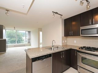 "Photo 4: 802 651 NOOTKA Way in Port Moody: Port Moody Centre Condo for sale in ""Sahalee"" : MLS®# R2386023"