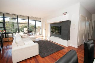 Photo 1: 401 2828 YEW Street in Vancouver: Kitsilano Condo for sale (Vancouver West)  : MLS®# R2541745