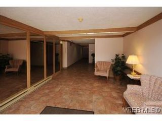 Photo 20: 101 1234 Fort St in VICTORIA: Vi Downtown Condo for sale (Victoria)  : MLS®# 529036