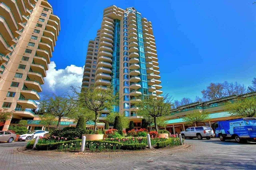"Main Photo: 5E 328 TAYLOR Way in West Vancouver: Park Royal Condo for sale in ""THE WESTROYAL"" : MLS®# R2380863"