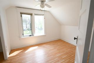 Photo 13: 571 Walker Avenue in Winnipeg: Lord Roberts Residential for sale (1Aw)  : MLS®# 202111872