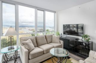 """Photo 5: 911 271 FRANCIS Way in New Westminster: Fraserview NW Condo for sale in """"Parkside at Victoria Hill"""" : MLS®# R2232863"""