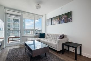 """Photo 3: 1409 908 QUAYSIDE Drive in New Westminster: Quay Condo for sale in """"Riversky 1"""" : MLS®# R2483155"""