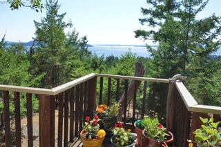 Photo 3: 9813 Spalding Rd in PENDER ISLAND: GI Pender Island House for sale (Gulf Islands)  : MLS®# 825595