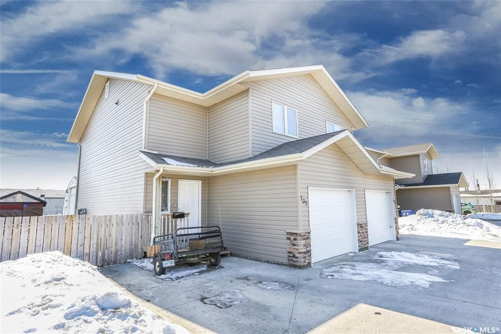 Main Photo: 705 6th Avenue South in Warman: Residential for sale : MLS®# SK840736