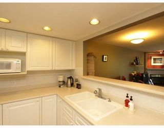 """Photo 6: 303 789 W 16TH Avenue in Vancouver: Fairview VW Condo for sale in """"SIXTEEN WILLOWS"""" (Vancouver West)  : MLS®# V774177"""