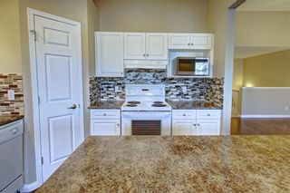 Photo 11: 86 VALLEY RIDGE Heights NW in Calgary: Valley Ridge Row/Townhouse for sale : MLS®# C4222084