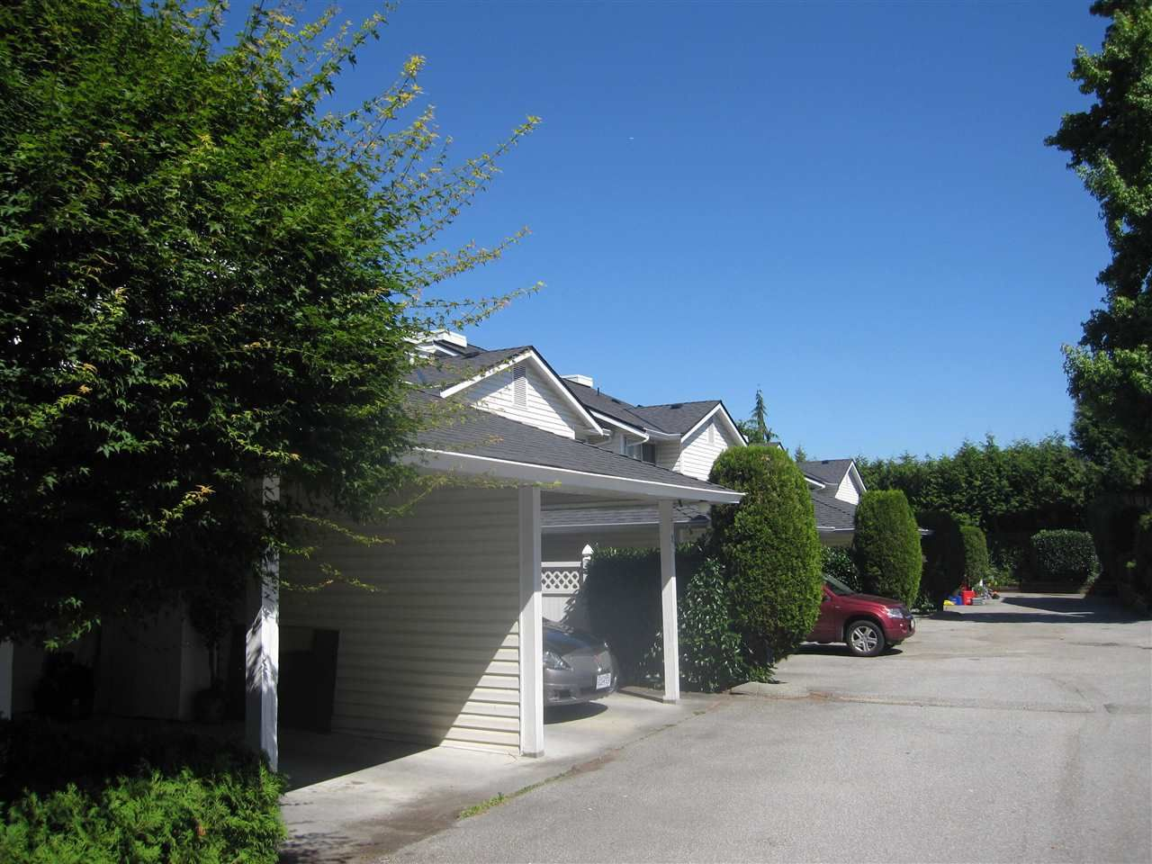 """Main Photo: 4 22411 124 Avenue in Maple Ridge: East Central Townhouse for sale in """"CREEKSIDE VILLAGE"""" : MLS®# R2287329"""