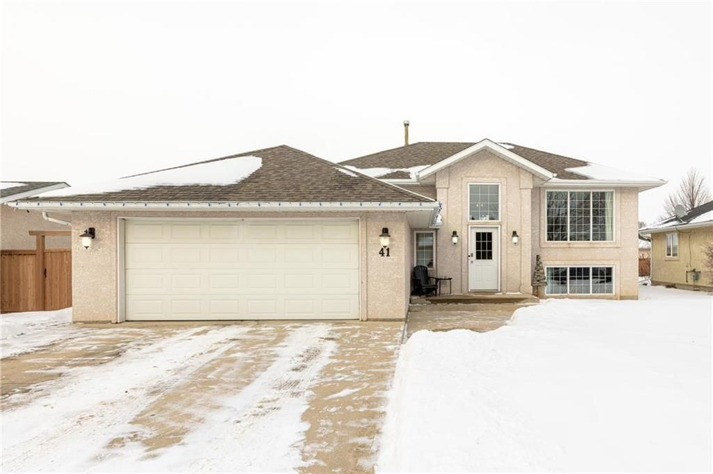 Main Photo: 41 KIMBERLY Bay in Steinbach: Southland Estates Residential for sale (R16)  : MLS®# 202101540