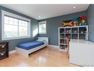 Photo 18: 589 Hampshire Rd in VICTORIA: OB South Oak Bay House for sale (Oak Bay)  : MLS®# 722882