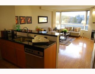 """Photo 2: 404 1688 CYPRESS Street in Vancouver: Kitsilano Condo for sale in """"YORKVILLE SOUTH"""" (Vancouver West)  : MLS®# V797521"""