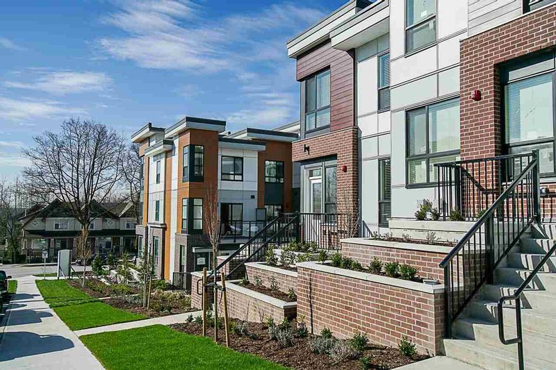 FEATURED LISTING: 16 - 20087 68 Avenue Langley