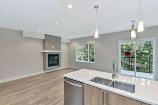 Photo 7: 937 Echo Valley Pl in : La Bear Mountain Row/Townhouse for sale (Langford)  : MLS®# 875844