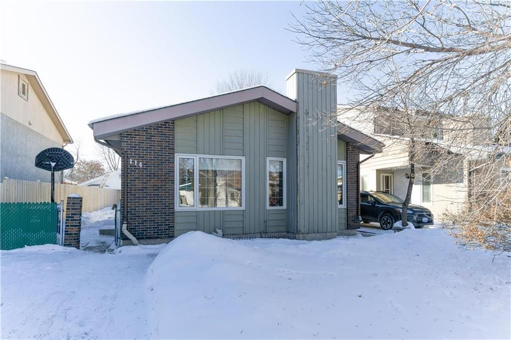 Main Photo: 114 Laurent Drive in Winnipeg: Richmond Lakes Residential for sale (1Q)  : MLS®# 202002780
