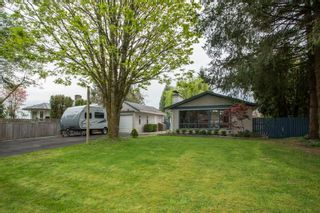 Photo 1: 22088 SELKIRK Avenue in Maple Ridge: West Central House for sale : MLS®# R2573871