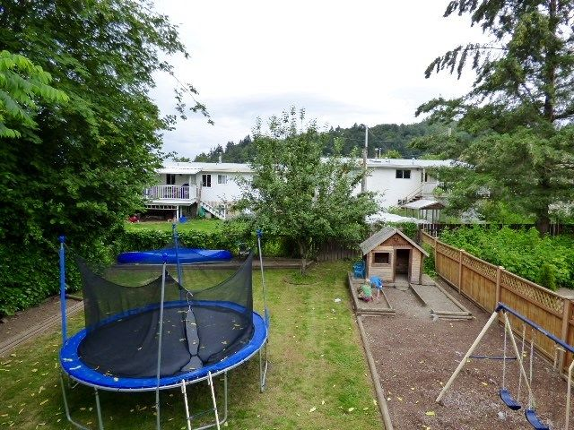 Photo 10: Photos: 2 9622 PAULA Crescent in Chilliwack: Chilliwack E Young-Yale 1/2 Duplex for sale : MLS®# R2078919