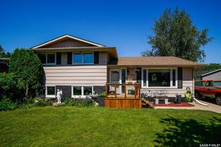 Photo 2: 437 East Place in Saskatoon: Eastview SA Residential for sale : MLS®# SK818539