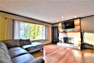Photo 2: 3662 EVERGREEN Street in Port Coquitlam: Lincoln Park PQ House for sale : MLS®# R2534123
