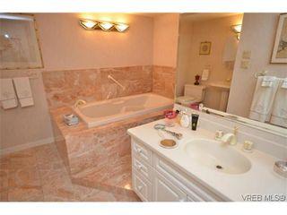 Photo 15: 302 1370 Beach Dr in VICTORIA: OB South Oak Bay Condo for sale (Oak Bay)  : MLS®# 614239