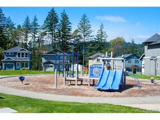 Photo 18: 962 Tayberry Terr in VICTORIA: La Happy Valley House for sale (Langford)  : MLS®# 681383